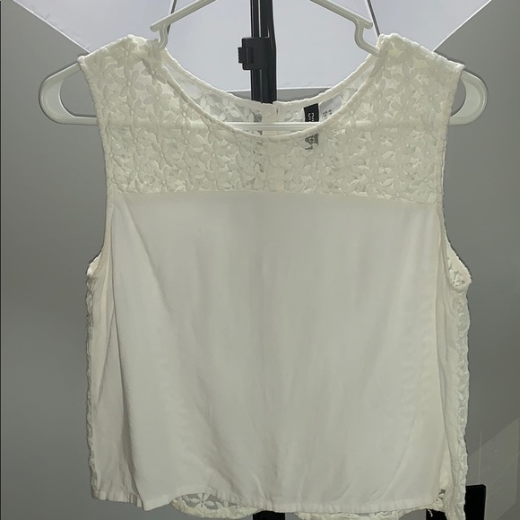 da95e2b33066c9 H&M Tops | White Tank Top With Flower Lace And Buttons | Poshmark